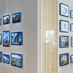Painéis de LED da VitrineMedia que ajudam a vender mais instalados em parede