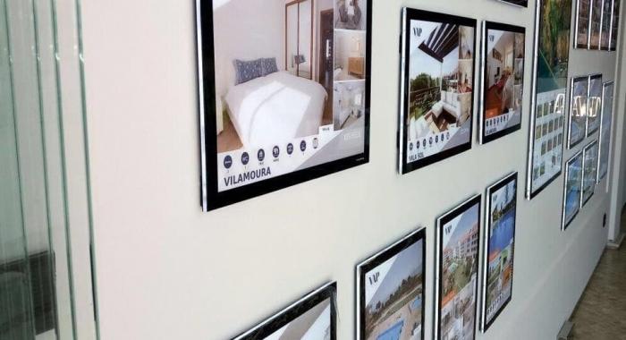 painel-de-led-caixa-de-luz-vm-wall-mounted-vitrine-media