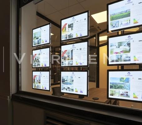 painel-de-led-em-acrilico-vitrine-iluminada-para-imobiliaria