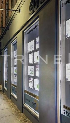 painel-suspenso-vitrine-media-para-imobiliaria