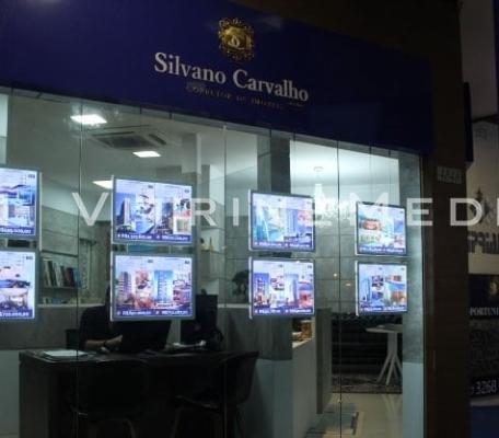painel-vitrine-em-led-para-fachada-de-imobiliaria-silvano-carvalho